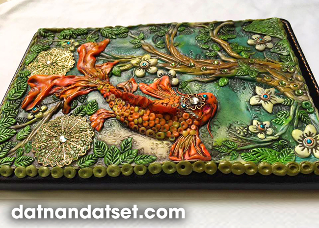 tranh cá phù điêu làm từ đất sét nhật bản